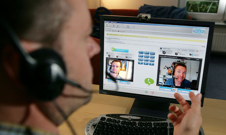 Cum procedezi daca sustii un interviu pentru un job pe Skype