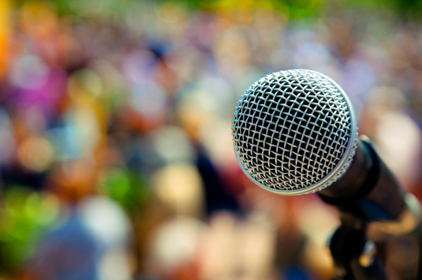 Microphone-and-audience