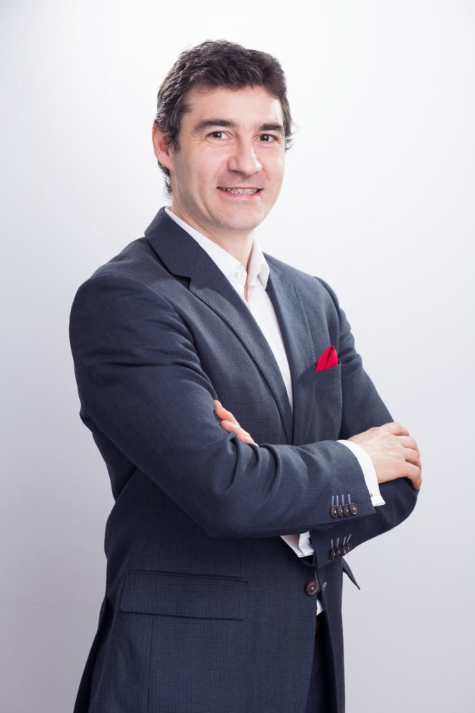 Cristian_Herghelegiu speaker TeCOMM