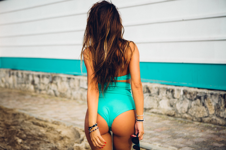 Vrei sa fii mai sexy in costume de baie? Iata 5 sfaturi pentru a fi o aparitie incendiara la piscina!