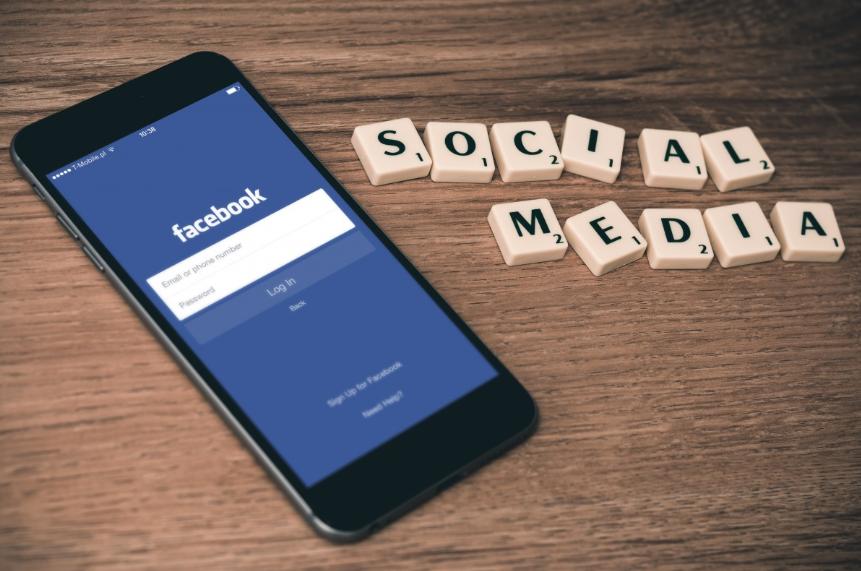 social_media_twitter_facebook