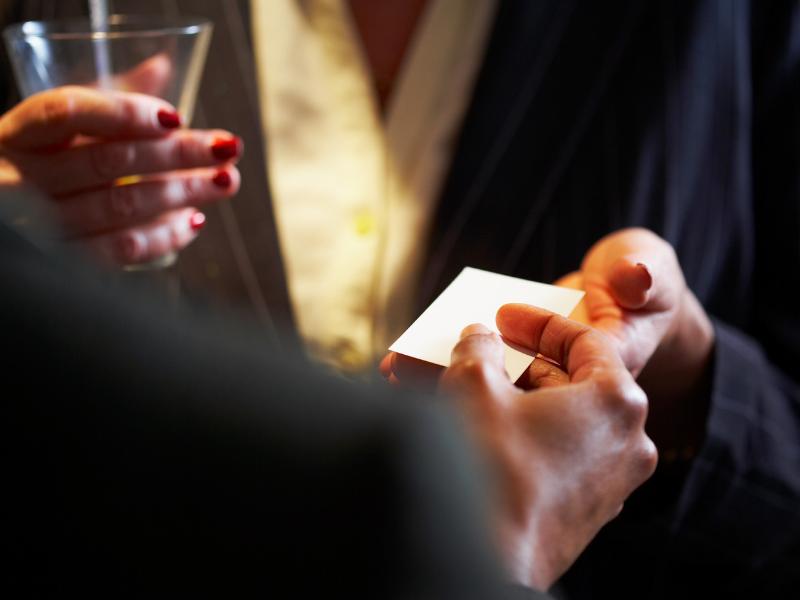 5 modalitati prin care sa incepi o conversatie la sesiunile de networking