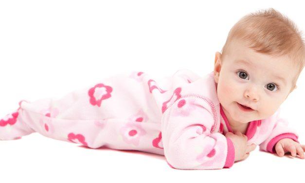 Bebe are nevoie de aceste haine pentru nou nascuti!