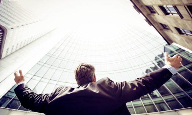 4 trasaturi comune ale liderilor pe care oricine poate invata sa le stapanaeasca