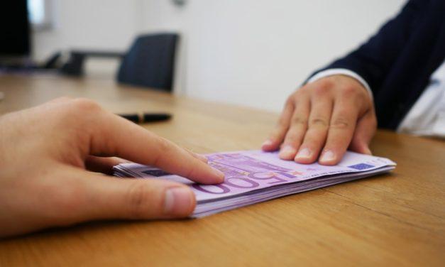 Cum alegi creditul ideal pentru nevoile tale? Iată 4 sfaturi utile